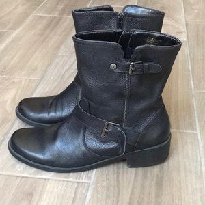 ANNE KLEIN Black Leather Combat Booties